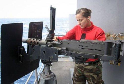 Подготовка Рианны к съемкам в Морском бое