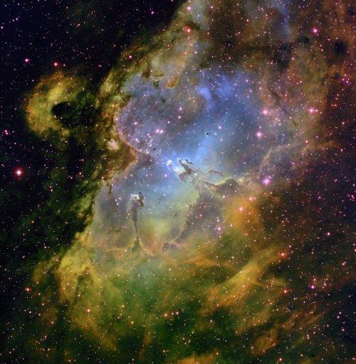 Лучшие космические фотографии за апрель 2012