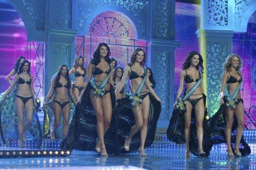 Мисс Беларусь 2012 – дефиле в купальниках