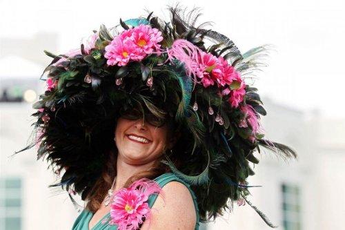Необычные шляпы на Кентукки-Дерби