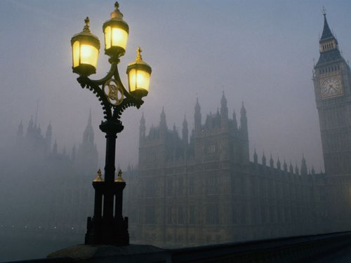 A foggy day in london town.