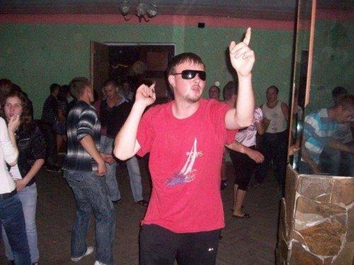 Гопники танцуют (16 фото)