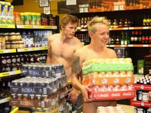 Приходи голый и получи скидку в супермаркете