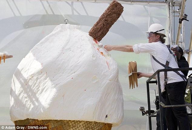 Фото самого большого мороженого мира