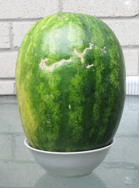 Классный смайлик из арбуза