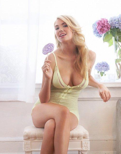 Кейт Аптон в рекламе нижнего белья