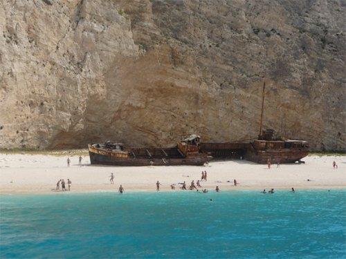 16 самых живописных в мире мест кораблекрушений