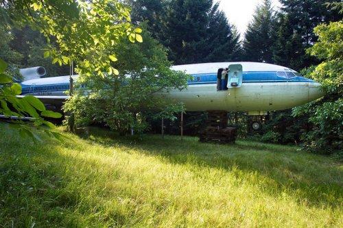 Самолет, адаптированный под жилой дом