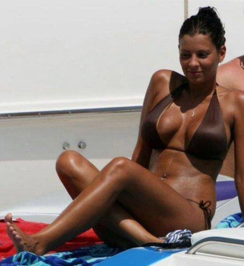 Фото голых женщин в бикинях 22 фотография