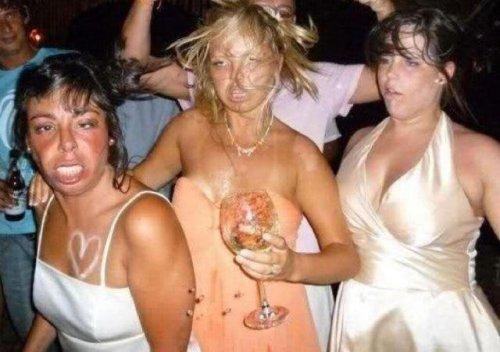 Девушки веселятся (33 фото)