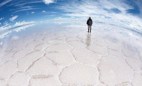 Зеркальная соляная пустыня