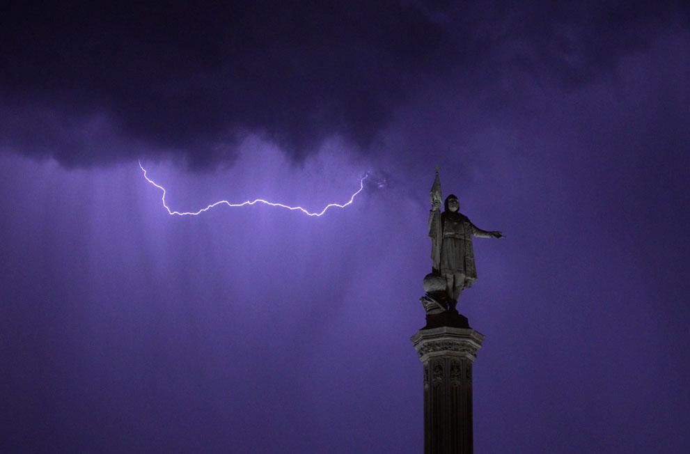 фото молния в небе