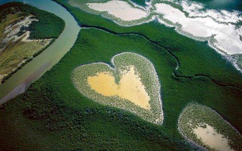 Топ-10: самые красивые места на Земле в форме сердца