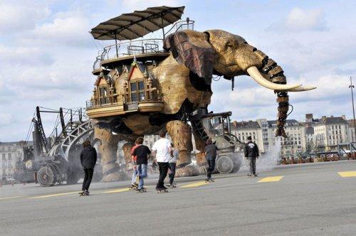 Фестиваль сюрреалистичного искусства во Франции