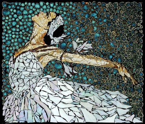 Удивительная мозаика из часовых механизмов, ключей и прочих деталей