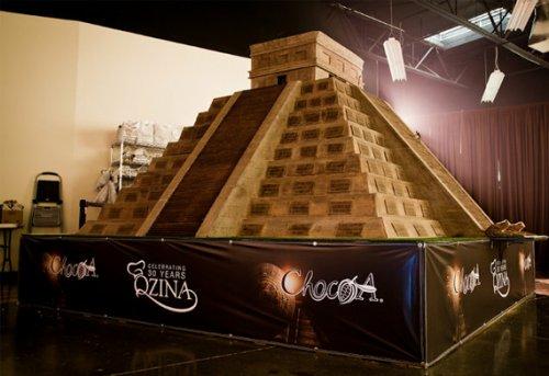 Гигантский храм майа из чистого шоколада