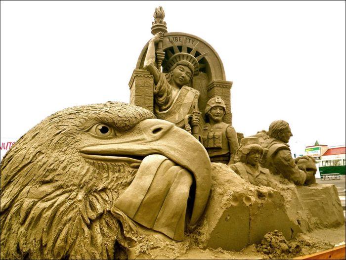 Картинки по запросу скульптуры из песка животных