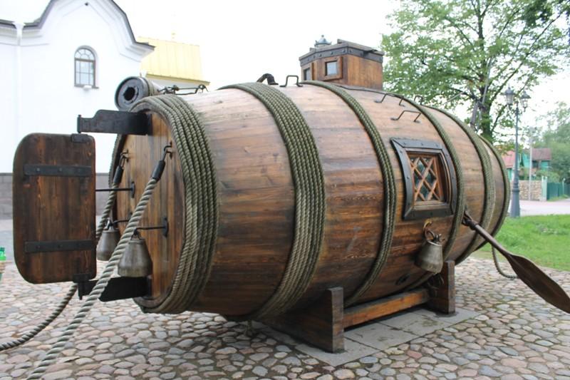 кто впервые сделал подводную лодку