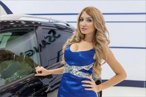 Девушки на Московском автосалоне
