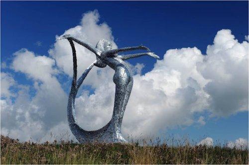 Большая русалка Арриа в городе Комбернаульд