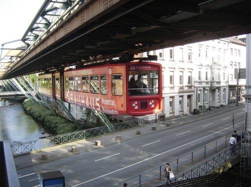 Немецкая подвесная дорога