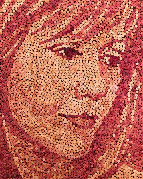 Портреты из винных пробок Скотта Гундерсена
