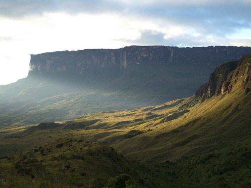 Величие и красота загадочной горы Рорайма