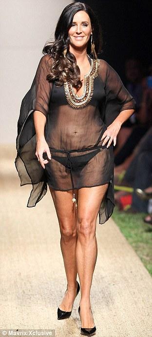 Как должна выглядеть женщина в 50 с хвостиком