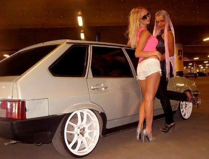 фото голых девушек около русских тазов