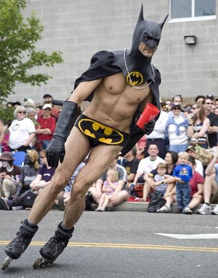 10 самых смешных костюмов Бэтмена