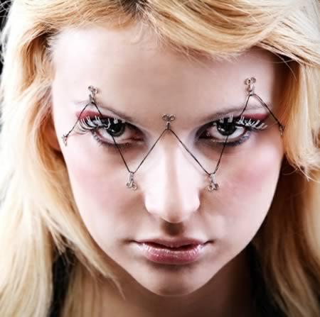 12 самых экстремальных идей для модного макияжа