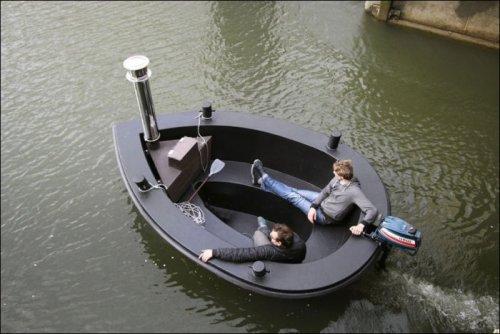 Лодка-бассейн
