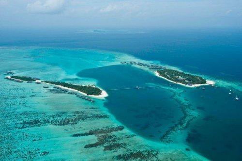 Уникальный подводный ресторан Ithaa на Мальдивах