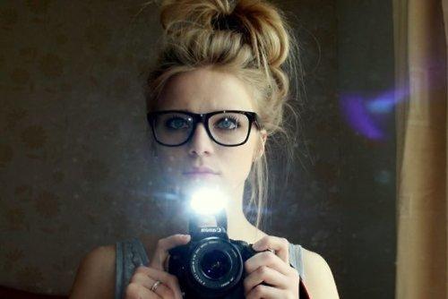 Девушки и их отражение в зеркале (40 шт)
