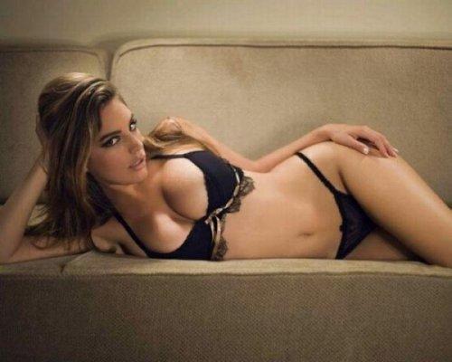 Самые сексуальные девушки первой половины 2012 года по версии журнала FHM