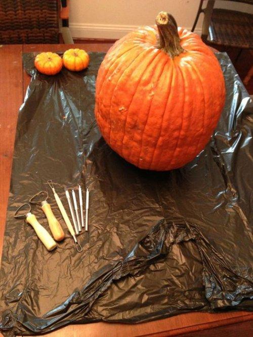 Как вырезать из тыквы монстра на Хэллоуин
