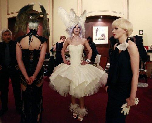 Лучшие образы благотворительного показа Alternative Hair Show 2012