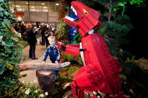 Lego World 2012 в Нидерландах празднует 80-летие самого главного в мире конструктора