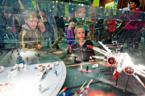 Lego World 2012 в Нидерландах празднует 80-летие самого главного в мире конструктора