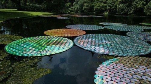 Инсталляция Брюса Мунро из компакт-дисков