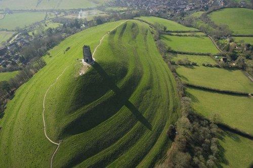 Холм святого Михаила, Англия