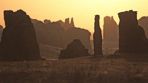 Скалы-Башни пустыни Эннеди в Чаде, Африка