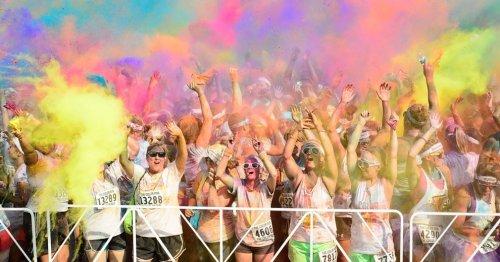 """Веселье и безумство на """"Цветном пробеге"""" в Атланте"""