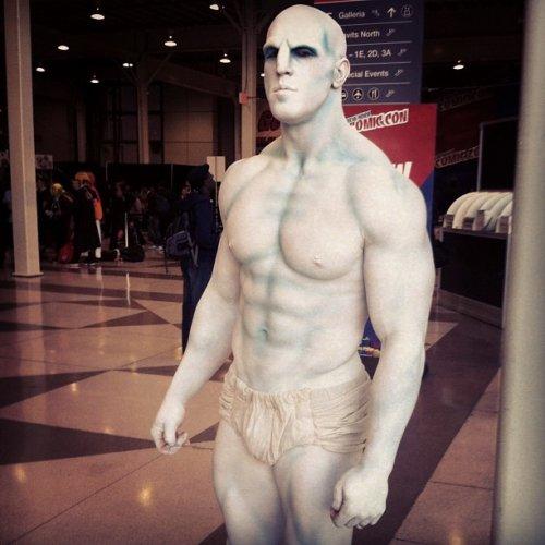 """Костюм Инженера из фильма """"Прометей"""" на выставке Comic Con в Нью-Йорке"""