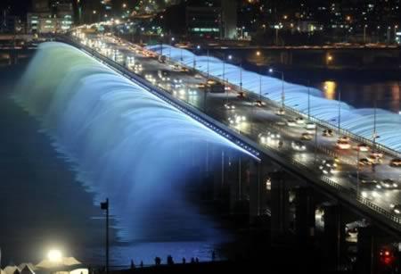 10 самых необычных в мире фонтанов