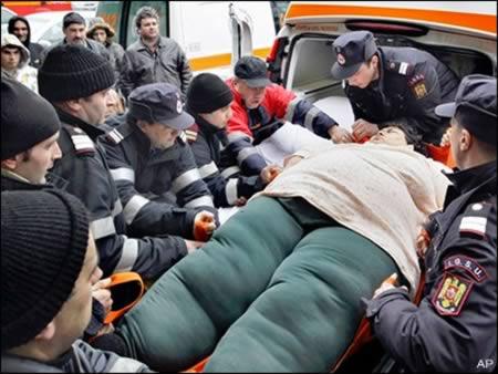 http://www.bugaga.ru/uploads/posts/2012-11/1354098489_neobychnye-istorii-rozhdeniya-7.jpg
