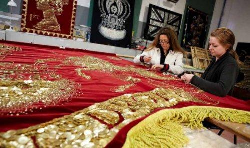 Потрясающие мозаики из пуговиц, созданные английской художницей Энн Кэррингтон