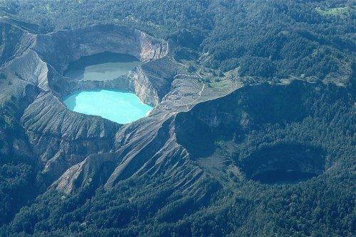 Келимуту – трёхцветные озёра в Индонезии