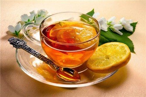 """Напитки, которые помогут """"убежать"""" от простуды"""