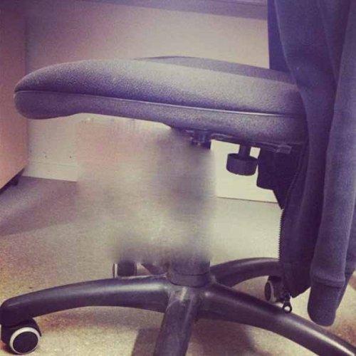 Как пошутить над коллегой так, чтобы это слышал весь офис